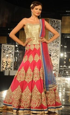 Jyotsna Tiwari pink simple lehenga corset