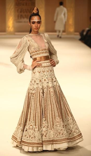 Rohit Bahl white simple lehenga fashion week