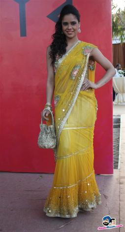 agp-multi-million-race-2013 yellow lehenga
