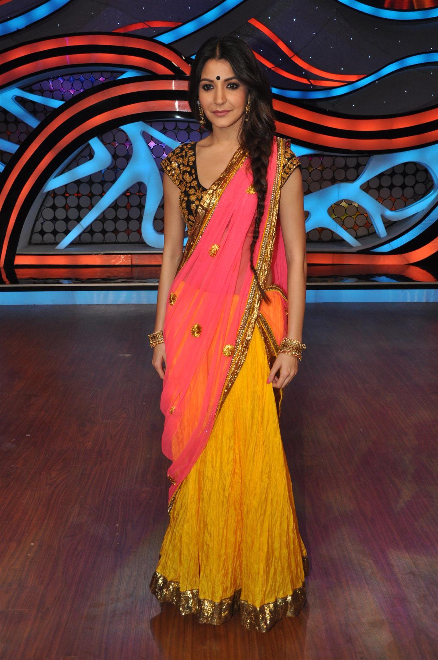 Anushka Sharma In Lehenga Choli