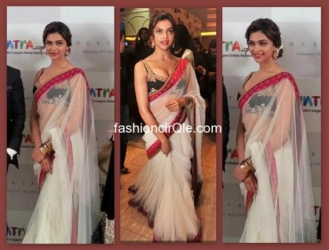 Deepika-Padukone-at-Cocktail-Delhi-Premier-in-Sabyasachi-650x494
