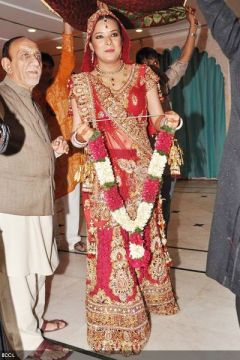 Udita-Goswami-wedding-simple lehenga
