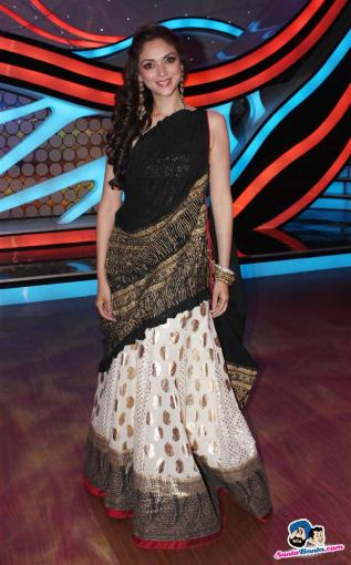 promotion-of-murder-Aditi Hydari black and white lehenga