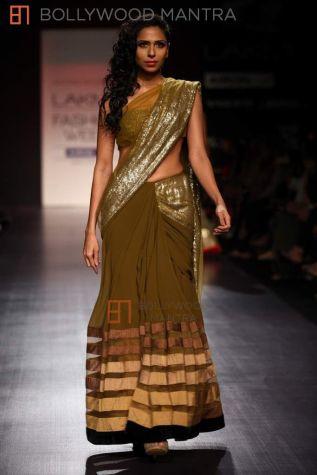 manish-malhotra-show-for-lakme-fashion-week-sister of the bride saree