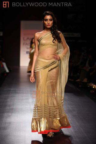 manish-malhotra-show-for-lakme-fashion-week-sister of the bride gold saree