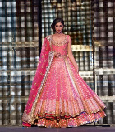 Nargis-Fakhri-walks-the-ramp-in-a-classic-pink-lehenga-1 2