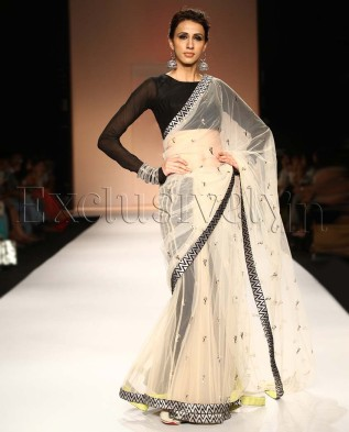 Payal Singhal black and white saree