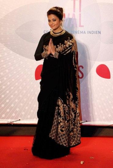 aishwarya-rai-100yearscinema-cannes sabyasachi black saree