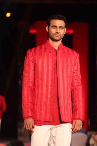 Designer-Manish-Malhotra-Sherwani -Indo-Western Jacket