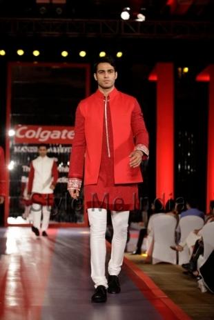 Manish-Malhotras-fashion-Sherwani-Indo-Fusion