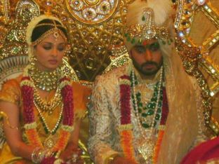 Aishwarya_Rai_Wedding_Picture