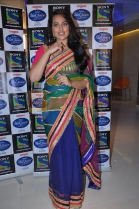 sonakshi_sinha_Lootera saree
