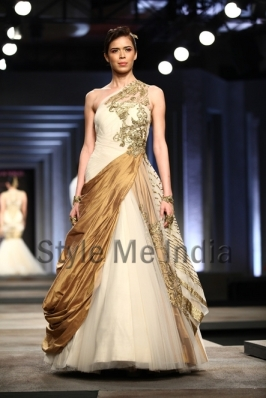 Shantanu-Nikhil-at-India-Bridal-Fashion-Week-Delhi-2013-9
