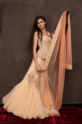 shyamalBhumika_simple_peach_lehenga
