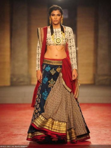 Anju_Modi_simple_lehenga